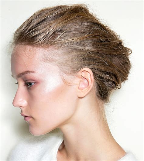 Updos For Of The With Hair by 5 Easy Updos For Thick Hair Tutorials Stylecaster