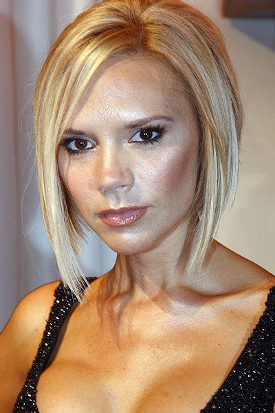 victoria beckham in honey blonde hair pic blonde hair celebrity hairstyle gallery from youbeauty com