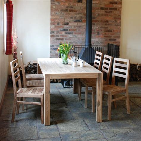 Farmhouse Dining Table And Chairs Salvoweb Farmhouse Dining Table And Chair Set