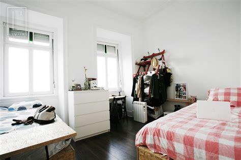 sudent room liv in lisbon student rooms room for rent lisbon