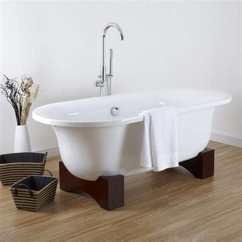 baignoires sur pieds hudson reed une baignoire ilot sur pieds en bois
