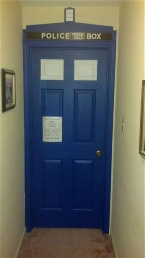 doctor who bedroom door 25 best ideas about doctor who bedroom on pinterest tardis door dr who and doctor who
