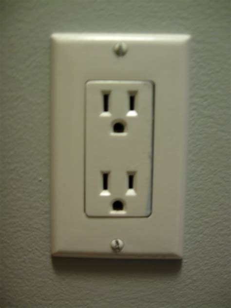 With Outlet by File Can Usa Power Outlet Jpg Wikimedia Commons