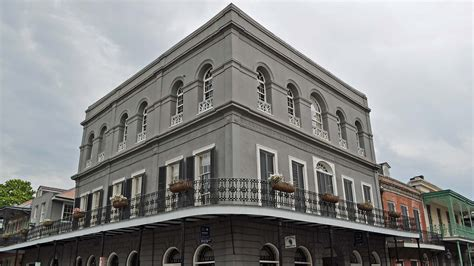 lalaurie house a place to die for why people buy homes where brutal murders occurred sun heritage