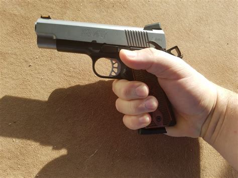 pistola 380 new style for 2016 2017 best 380 pistols 2018 pocket rockets pew pew tactical