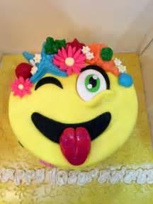 wedding cake emoji best 25 emoji cake toppers ideas on go emoji emoji cake and cupcake emoji