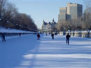 Backyard Ice Skating - 31 majestic photos of rideau canal in canada places