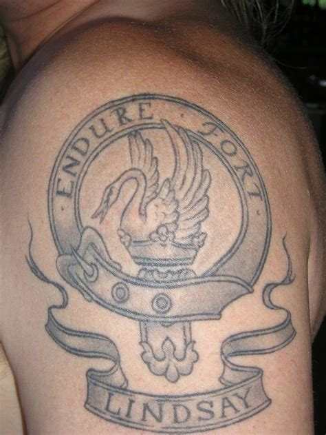 family crest tattoo designs best 25 family crest ideas on crests