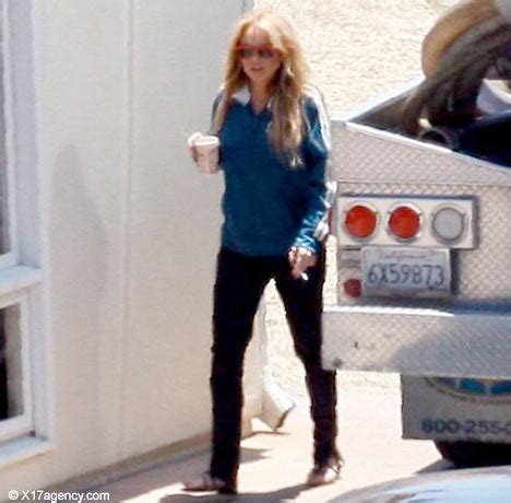 Pop Nosh Lindsay Lohan Does Rehab Take 2 Popbytes 8 by Lindsay Lohan S Oxycontin Addiction Popcrunch