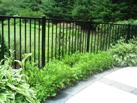 37 best images about front yard fence on pinterest picket fences diy fence and lattices