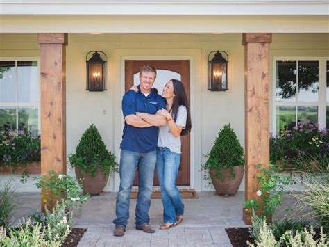 chip and joanna gaines home photos hgtv s fixer upper with chip and joanna gaines hgtv
