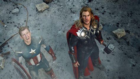 chris hemsworth on captain america movie where was the movies the avengers thor captain america looking up