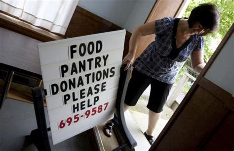 in economy food pantry donations lag as demand grows