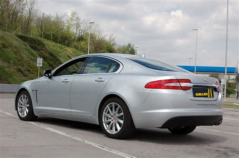 jaguar hr testirali smo jaguar xf 2 2d testovi automobila hrvatska