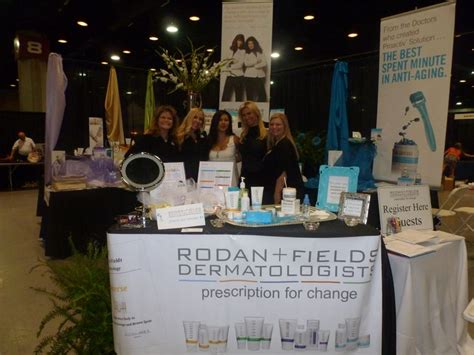 trade table display ideas set up a demo table at a trade rodan fields