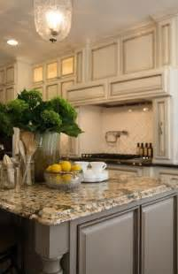 ivory kitchen cabinets ivory kitchen and brown granite on