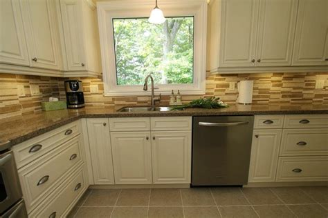 cream kitchen cabinets with glaze glazed kitchen cabinets cream shaker style glazed