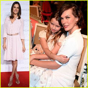 milla jovovich daughter milla jovovich brings daughter ever to resident evil