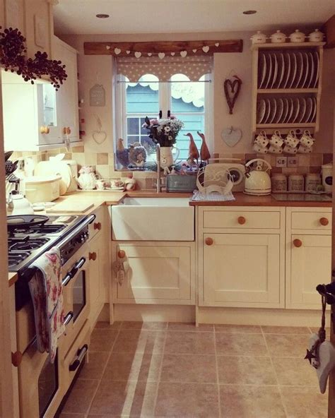 cottage kitchen ideas best 25 cottage style kitchens ideas on