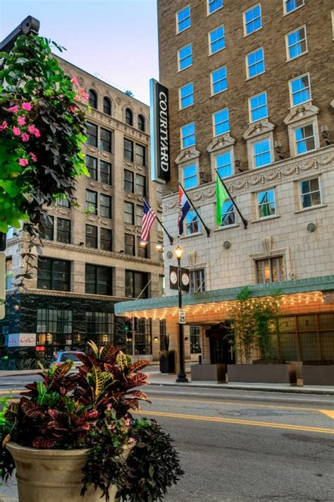 low cost hotel downtown st louis city center near the gateway arch courtyard st louis downtown convention center updated 2017 hotel reviews price comparison