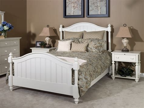 the nantucket traditional bedroom set in white finish 12104