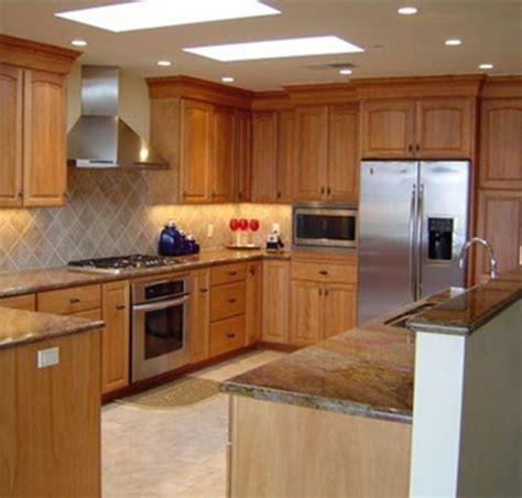 should i paint kitchen cabinets what color should i paint my kitchen with white cabinets