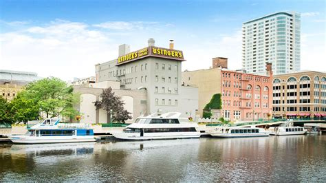edelweiss cruises and boat tours milwaukee wi visit milwaukee edelweiss boats milwaukee river cruise