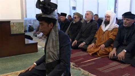 fadli zon minta jokowi pikirkan pencari suaka afghanistan