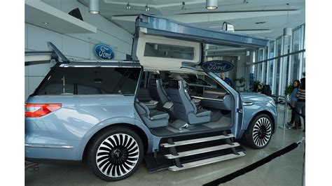 At Ford Lincoln Navigator Concept At Ford Of Canada Hq 2 The