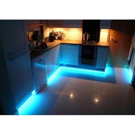Contemporary White Kitchen Kickboard Seal Pvc Protects Kitchen Kickboard Lights