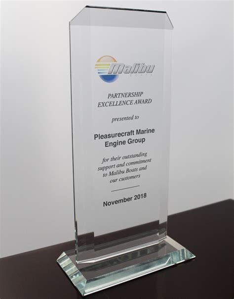 malibu boats dealer meeting pleasurecraft engine group wins malibu partner award