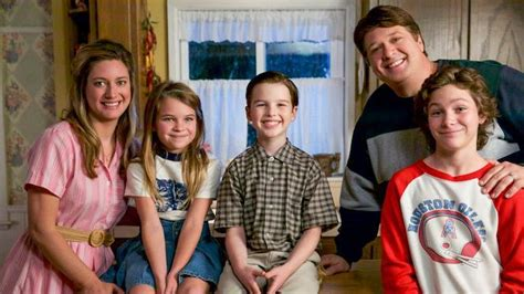 actor on young sheldon 2 young sheldon characters could show up on the big bang