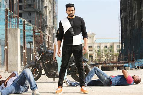 Sakka Podu Podu Raja Movie Stills   Santhanam   Vivek ...