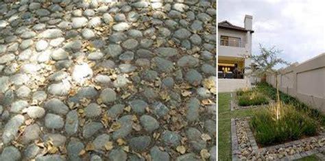 pebbles backyard 25 beautiful landscaping ideas adding beach stones to