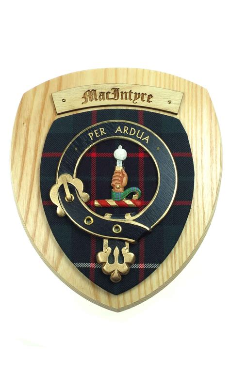 Bruce Butler clan crest wall plaque by scotweb