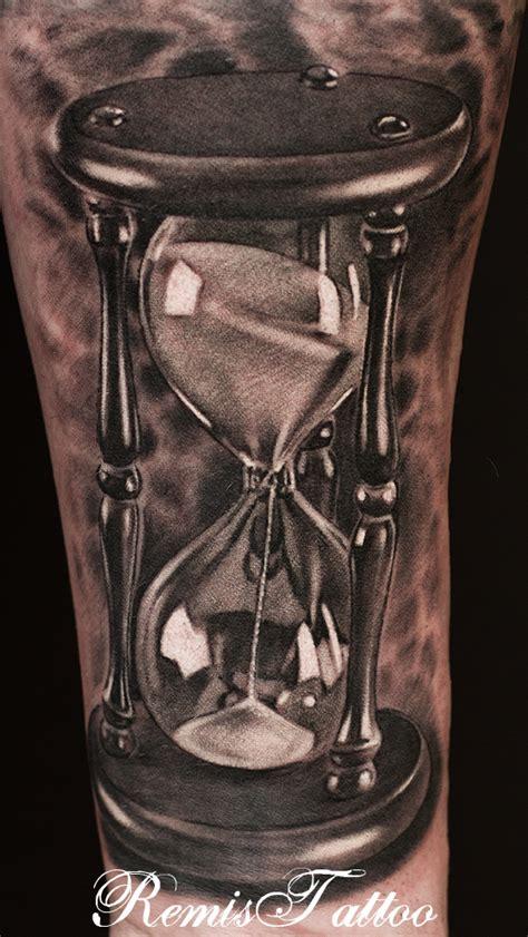 black and grey tattoo art tattoos on pinterest hourglass tattoo compass and