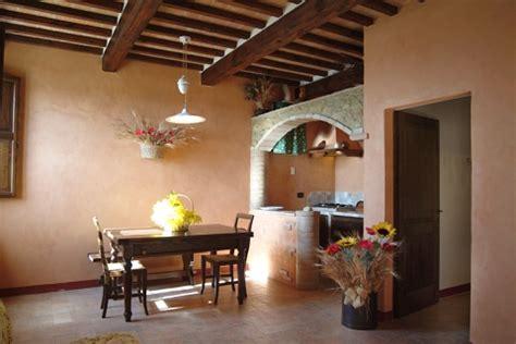 pareti rustiche interne forum arredamento it cucina rustica quale colore nelle