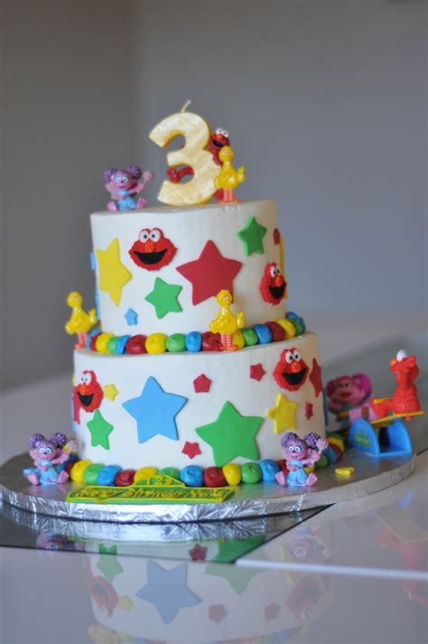 birthday themes 3 year old very cool birthday cake for a 3 year old girl cool