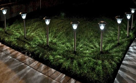 Best Solar Landscape Lights Reviews Key Tips To Choose The Best Outdoor Solar Lights Ecostalk
