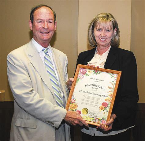 hartselle beautification association announces award