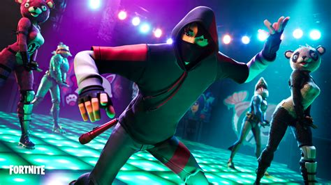 samsung brings  pop  fortnite  exclusive ikonik