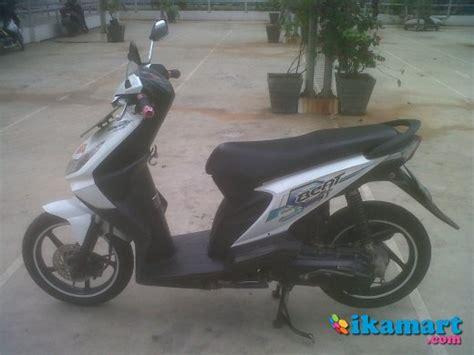 Di Jual Motor Honda Beat 2008 jual honda beat 2008 warna putih motor