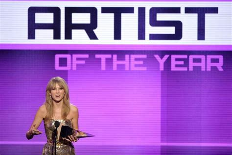 country music artists of the year 2012 2013 american music awards the blade