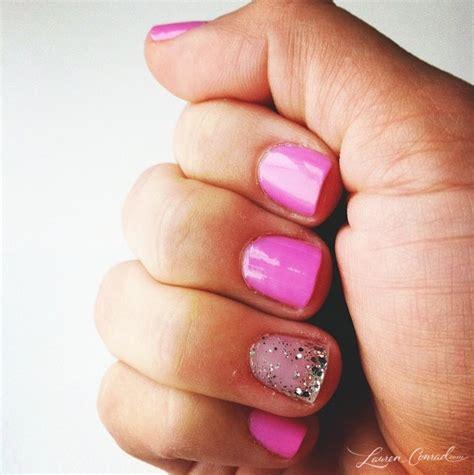 Nägel Rot Lackieren Tipps by 25 Trendige Pink Sparkly Nails Ideen Auf Pinterest Rosa