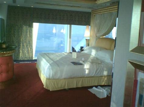 mirror on ceiling above bed mirror on the ceiling above the bed picture of burj