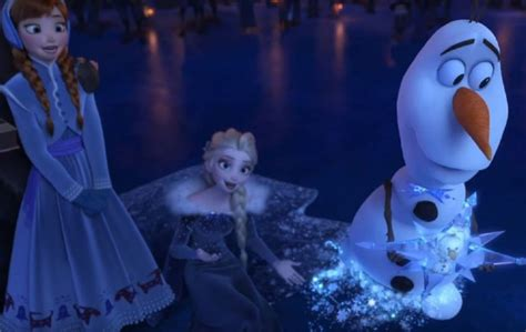 frozen film uk the trailer for olaf s frozen adventure is finally here