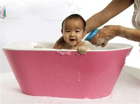 baby drowns in bathtub bato baby bath tub by hoppop