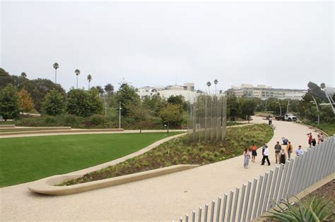 Urban Wall Garden - santa monica s amazing new 43 million tongva park is now open jeff white and lori donahoo los