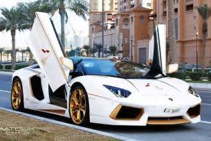 White Gold Lamborghini Lamborghini Aventador Gets Gold Treatment For Qatar