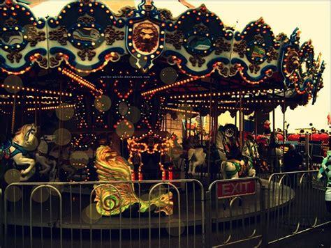 Carousel L carousell carosel